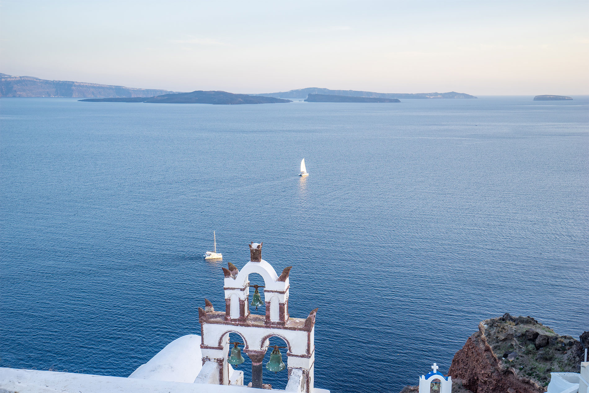 Canvas Suites | Santorini | Artemis Suite