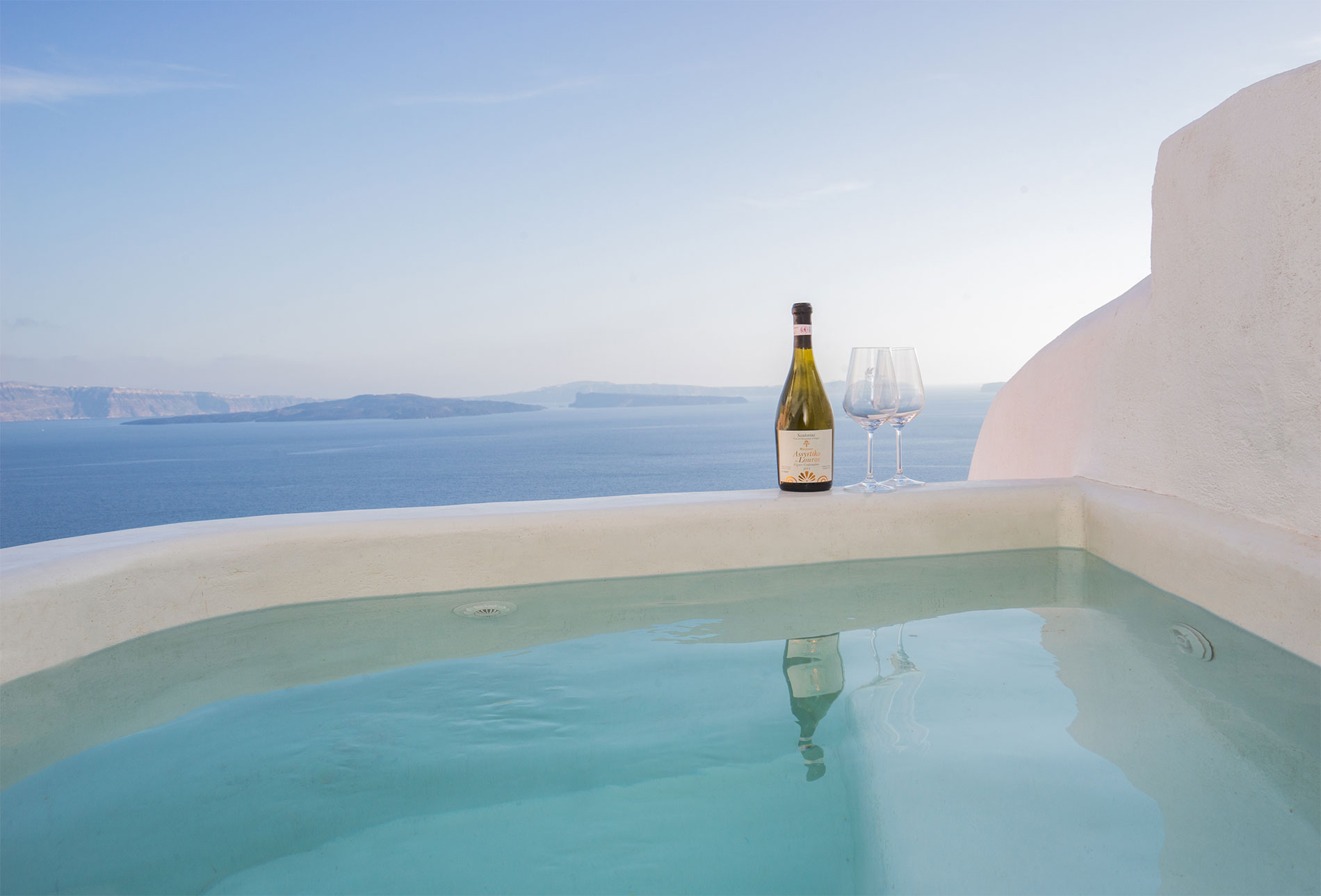 Canvas Suites | Santorini | Earth Suite